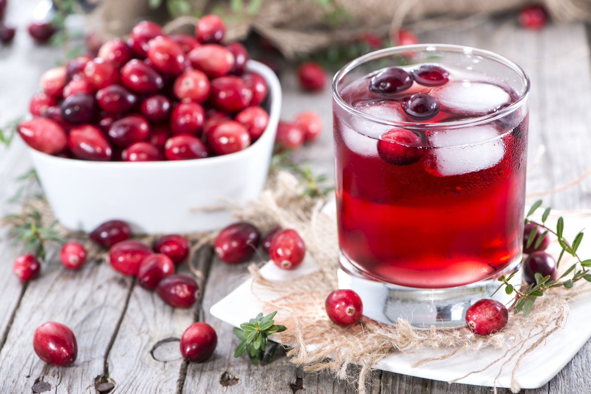 The 20 Healthiest Foods To Eat For Breakfast In 2020 Berry Juice Cranberry Juice Healthy Foods To Eat