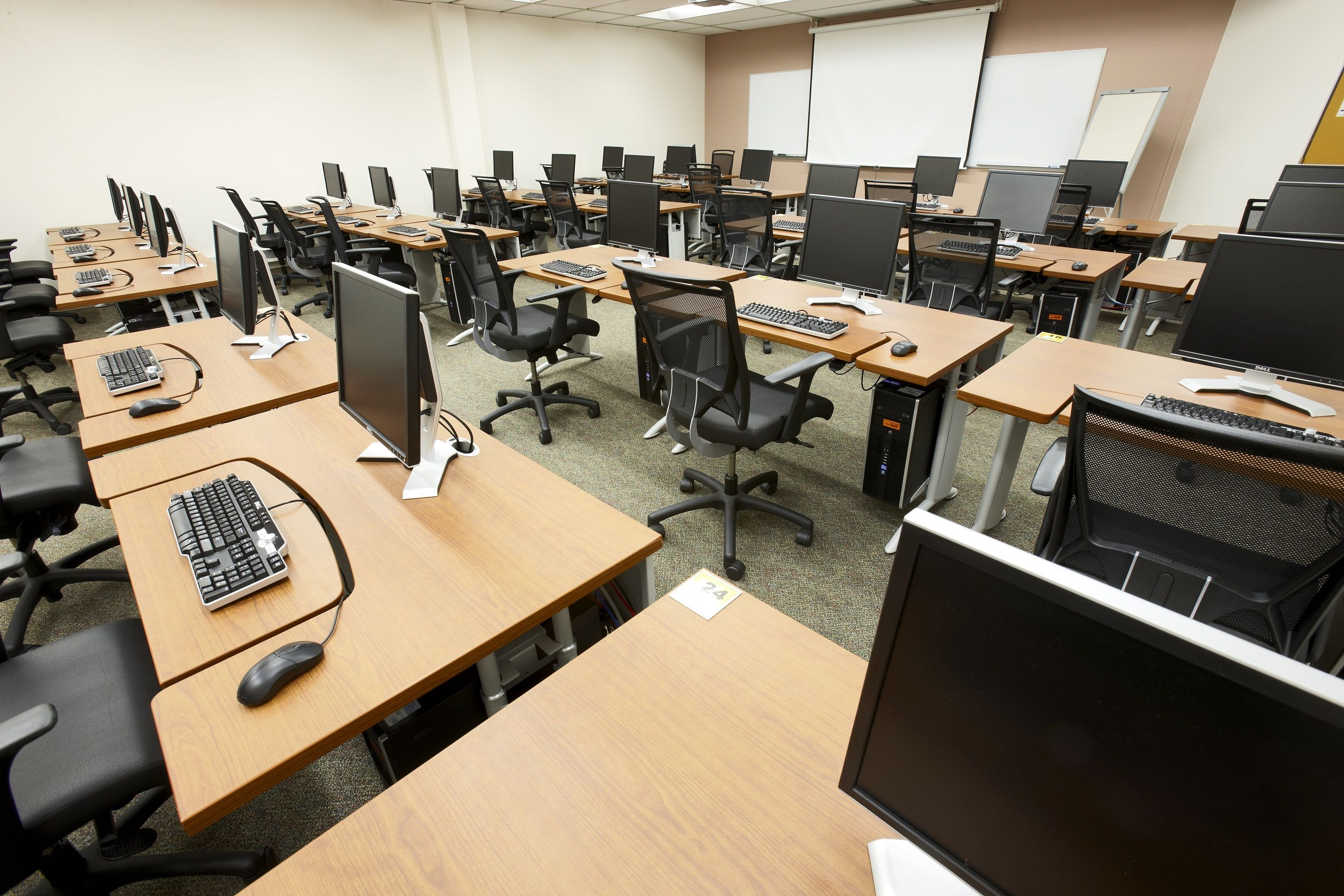 Computer Lab Salle Informatique Meeting Room Layouts