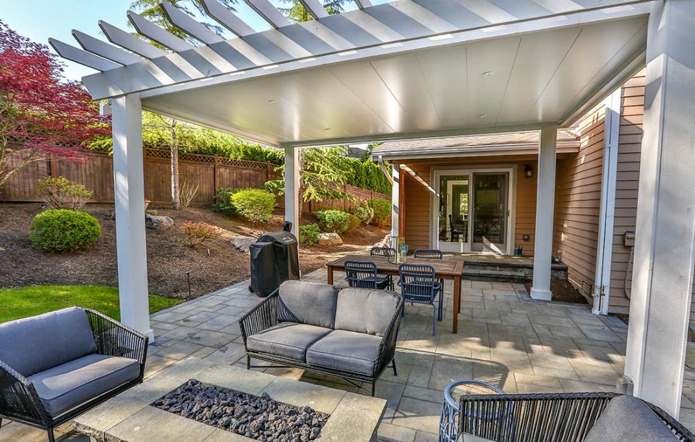 outdoor pergola patio