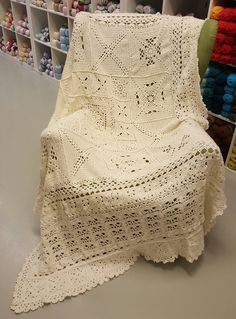 'Blanket of secrets' English pattern versions, instruction and pics