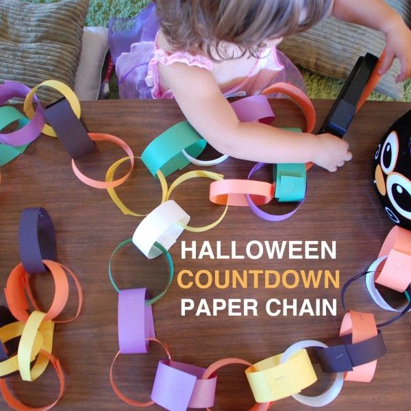 Halloween countdown chain for those kids who just can't wait another minute (or day) for Halloween