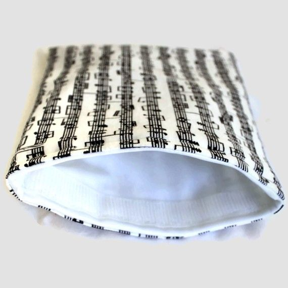 Musical Score Reusable Sandwich Baggie by CraftCobbler on Etsy, $7.00    LOVE THESE!  Fantastic seller :)