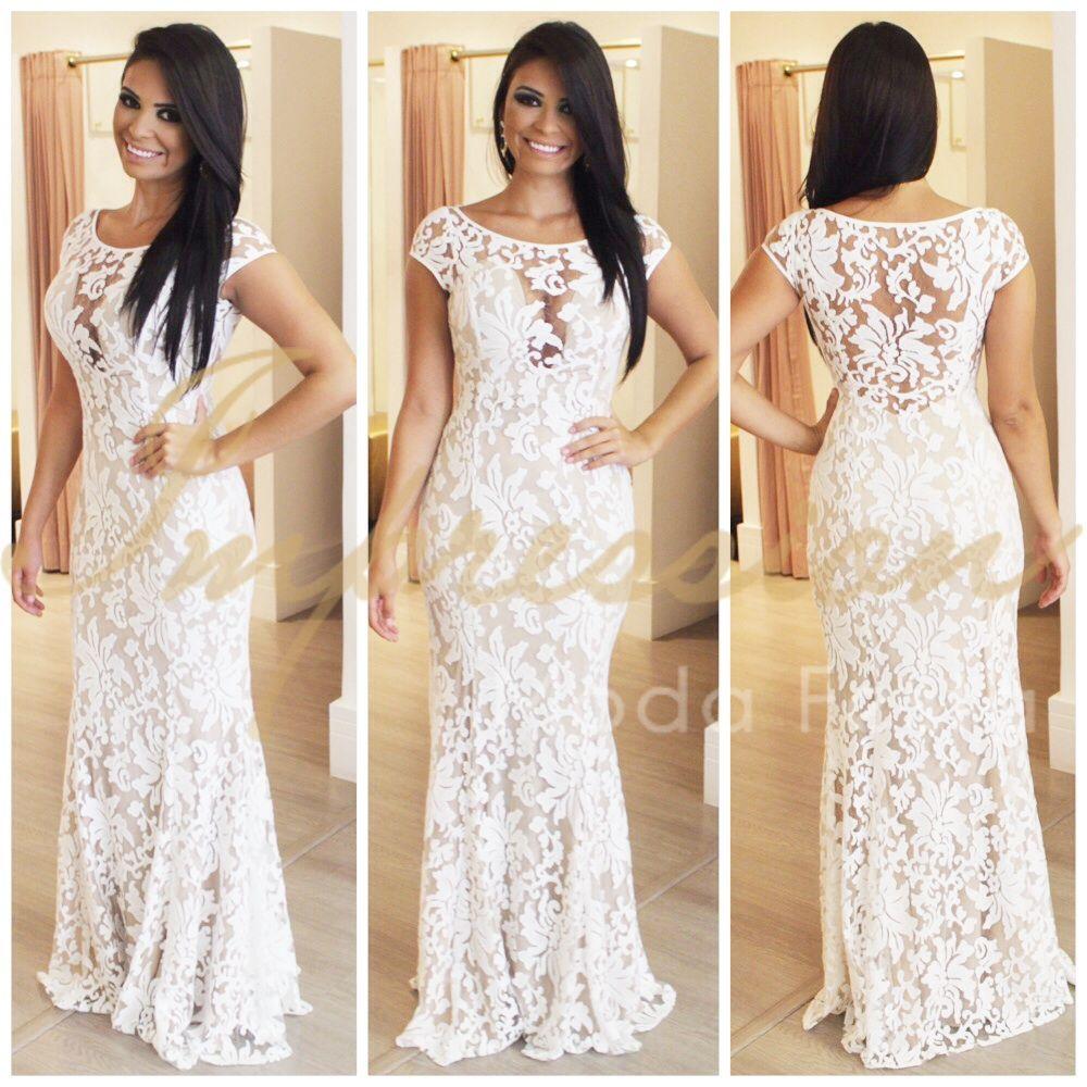 Vestido branco e longo