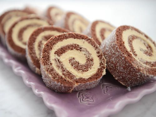 Suklaa Sveitsin rulla Dulce de leche