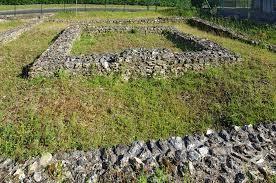 Chenehutte treves cunault petite cite de caractere ruines romaines