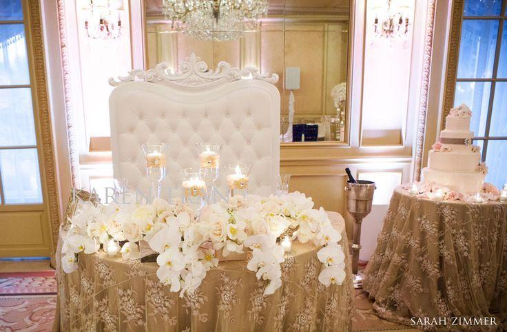 Mesa principal de los novios con sofá tufted Decoracion mesa