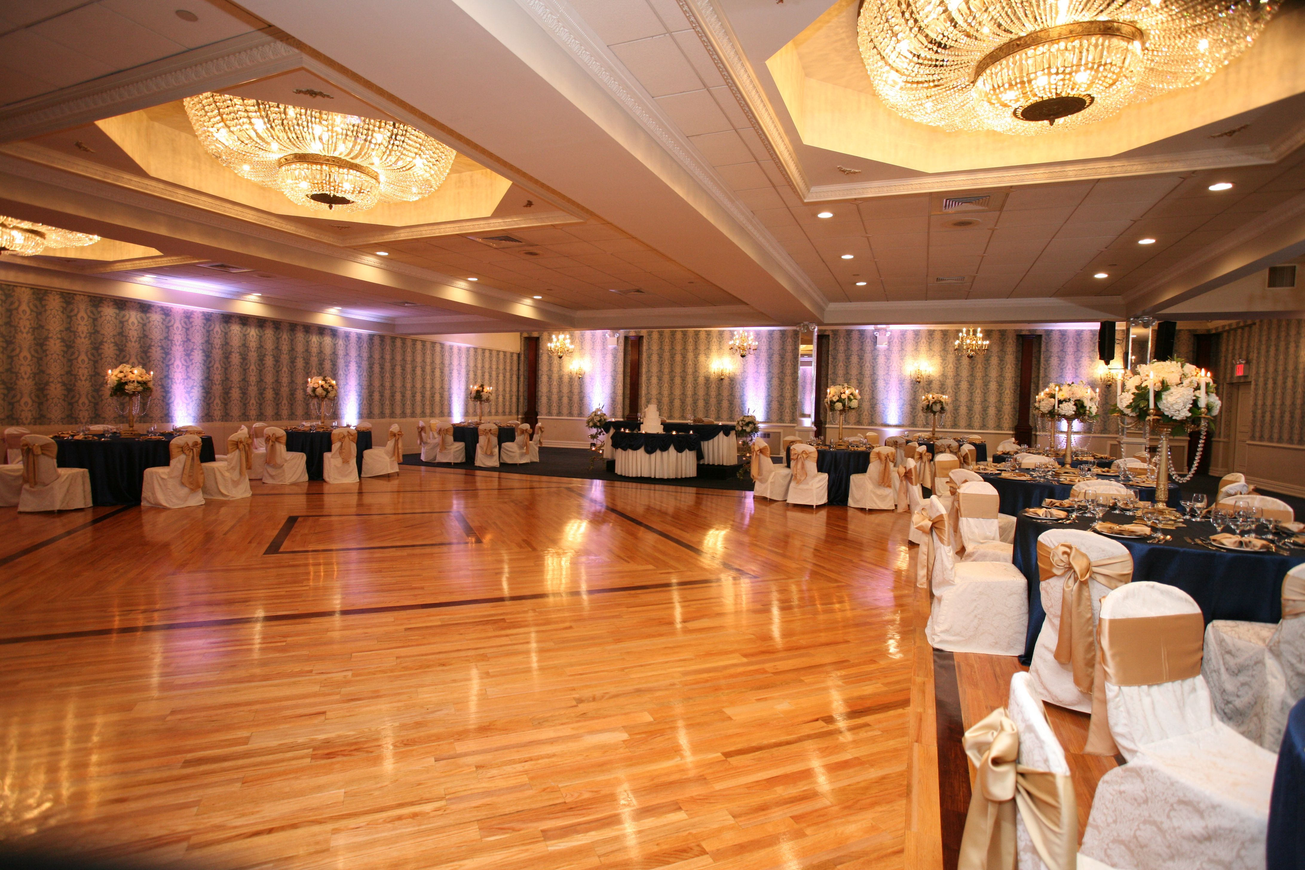 Antuns Antunsqueens Antunsqueensvillage Weddings Sweet16 Cateringhall Weddingreception Weddingceremony Quee Catering Halls Wedding Venues Wedding Hall