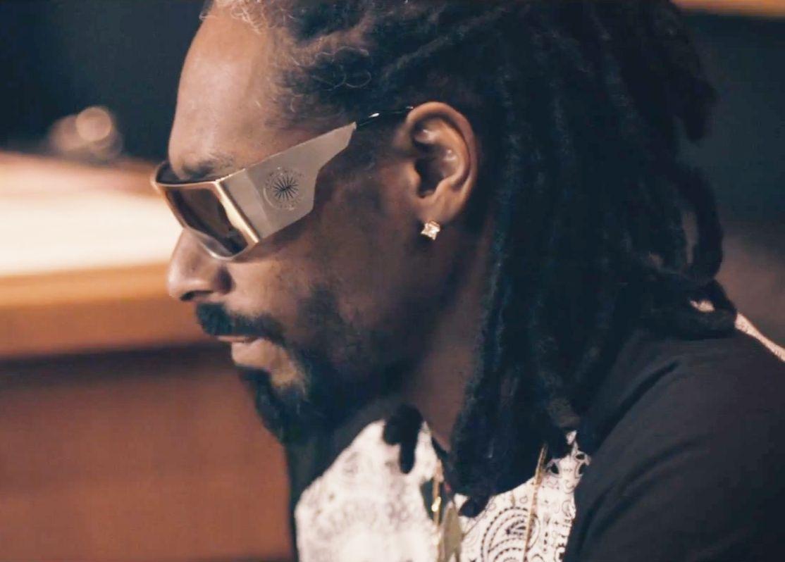 8d4a0204aba Snoop Dogg Wearing Parasite Eyewear x Madeinlafrance MILF Sunglasses ...