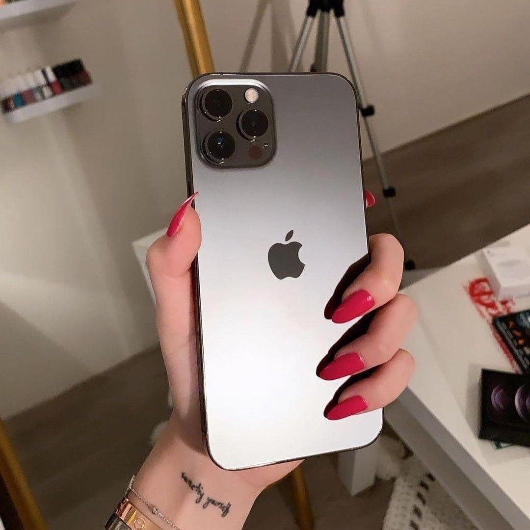 عندكم ايفون ولا جلكسي Iphone Electronic Products Phone