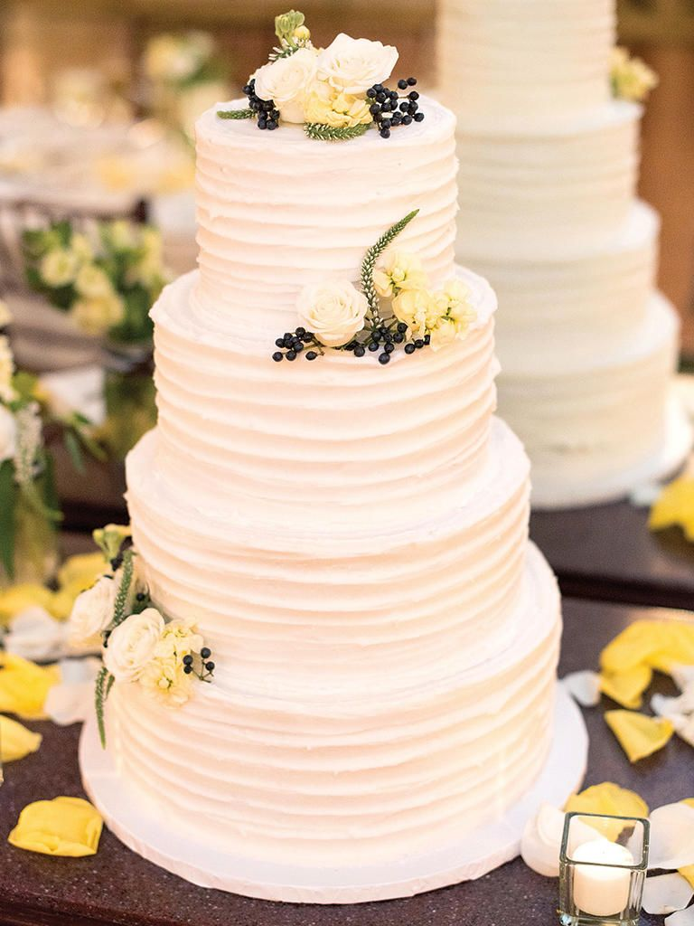 Keep Your Wedding Cake Clean And Consistent By Applying A Single Texture En Masse And Toppi