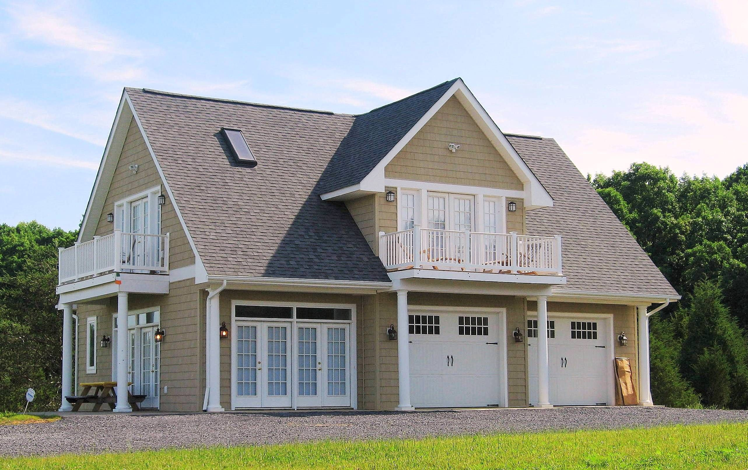 40 Best Detached Garage Model For Your Wonderful House Prefab Garage With Apartment Above Garage Apartment Carriage House Plans