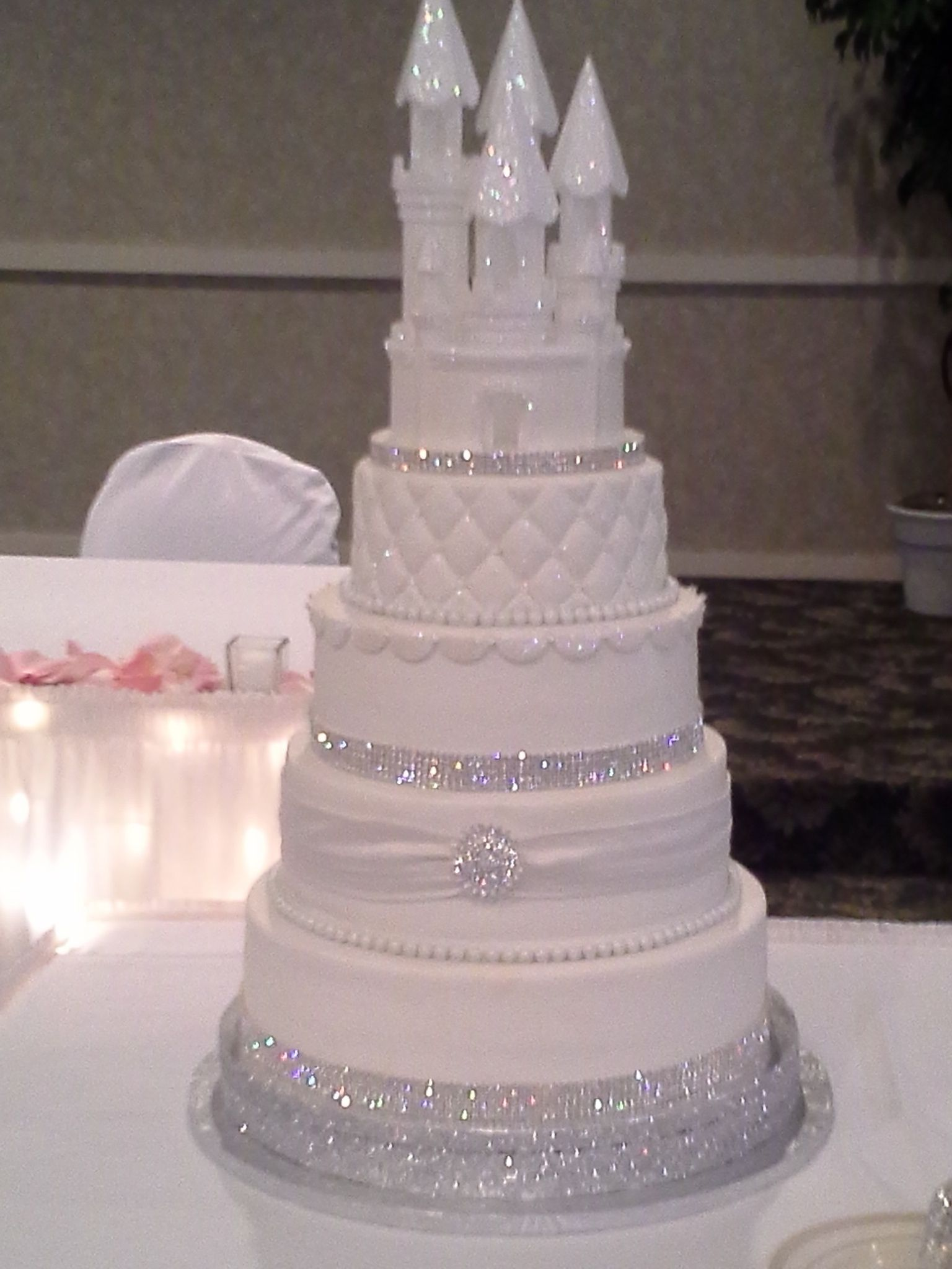 THIS IS MYYY WEDDING CAKE DON T EVEN THINK OF DUPLICATING ME