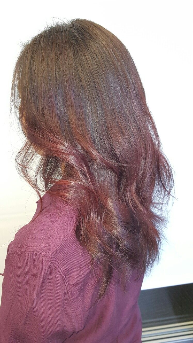 Beautiful cherry cola with a violet base on top of natural brown