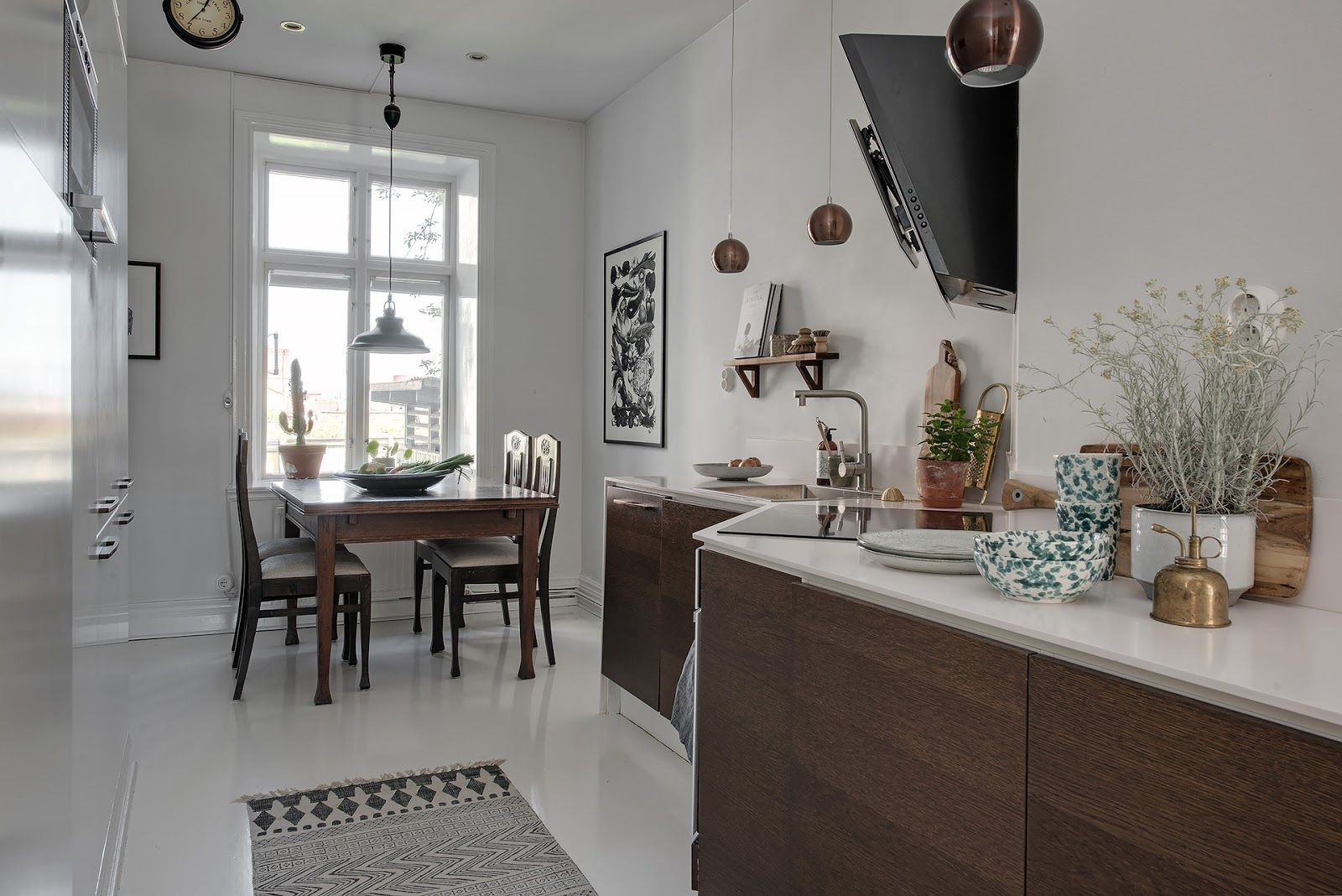 Subtle brown accents in the interior decor of an apartment …