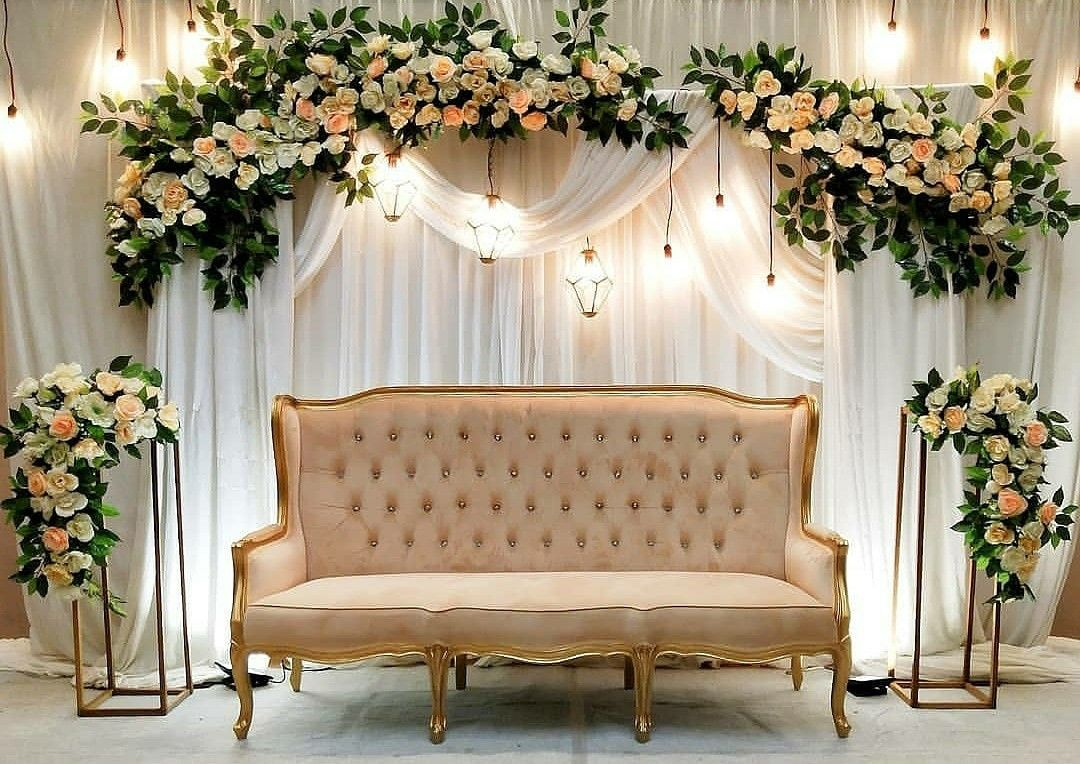 Pelaminan ekonomis Surabaya   Nikah decor, Wedding backdrop design ...