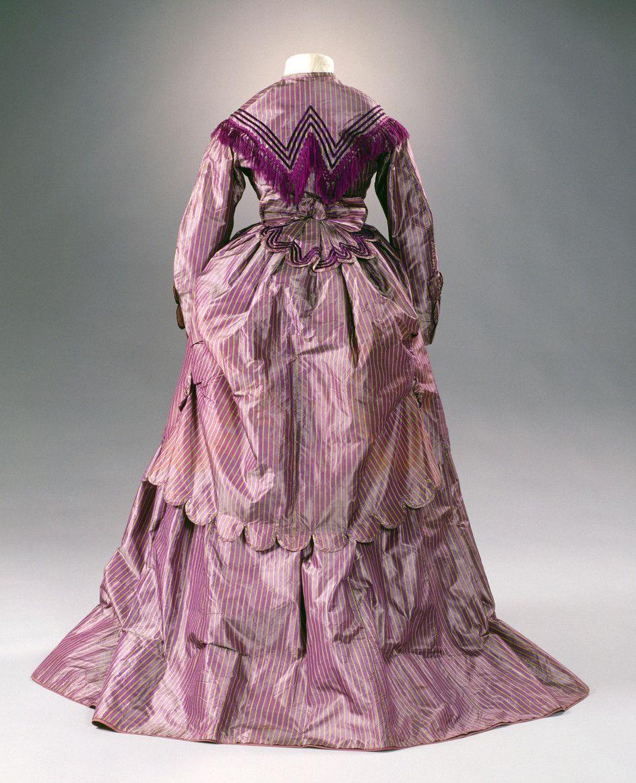 Day Dress 1869 70 From The Museum Fur Angewandte Kunst Koln Via Kulturelles Erbe Koln Aniline Dyed