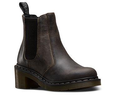 e285c5afc8a Pin by anais bond on L O O K B O O K | Black chelsea boots, Chelsea ...