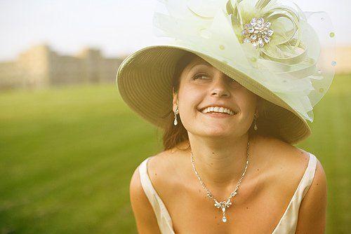 Chapéu verde convidado cheio