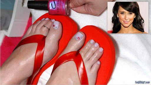 love hewitt feet