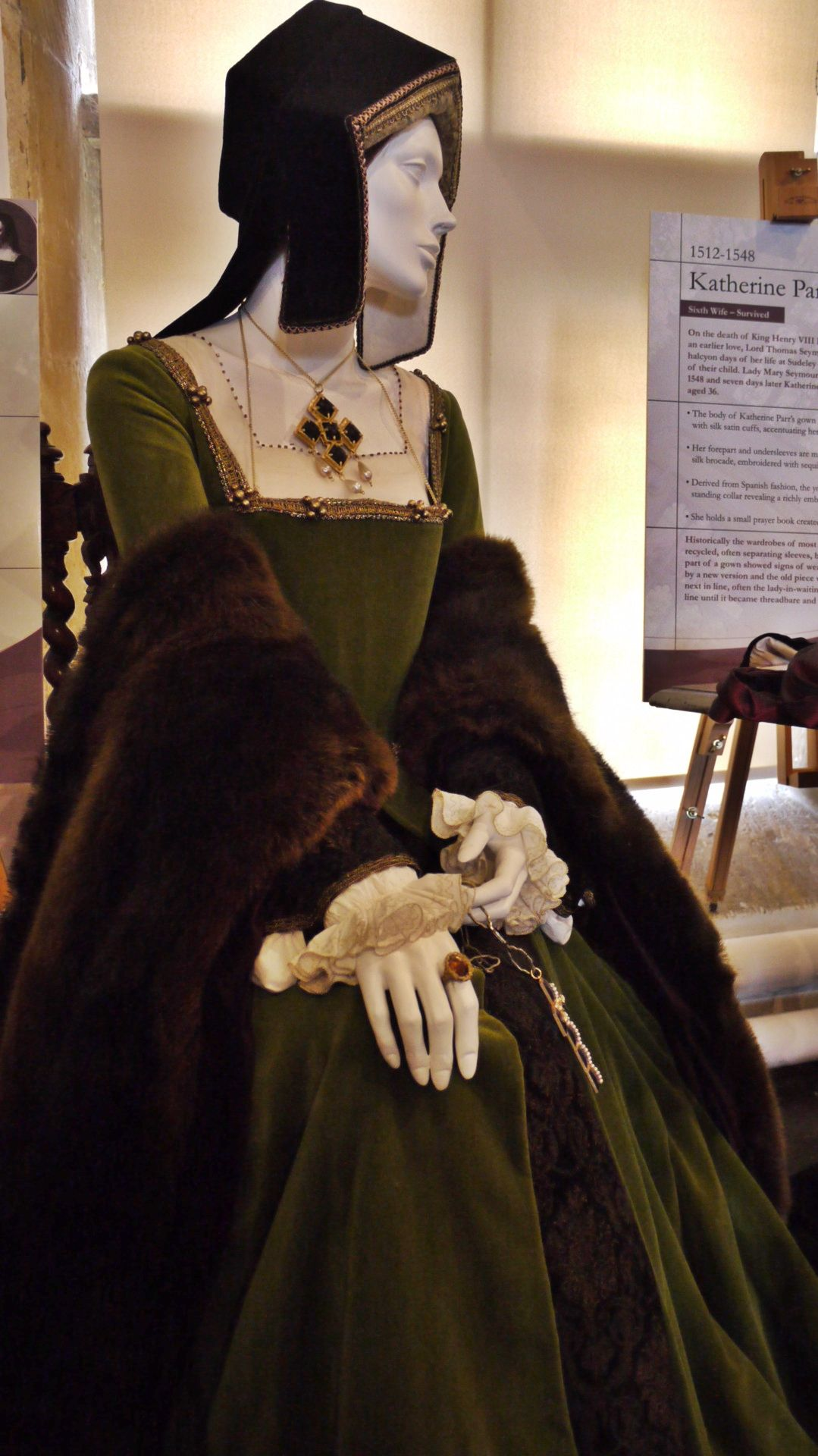 Catherine of Aragon's Green Gown, circa 1525