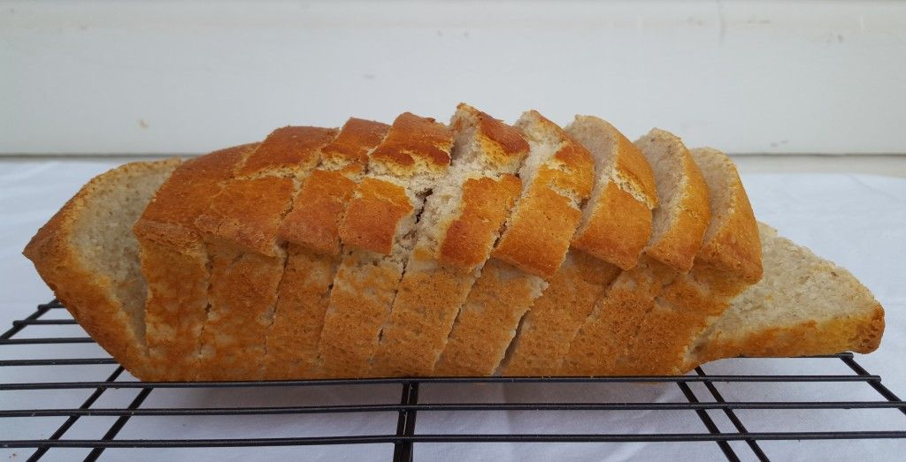 Amazing Gluten Free White Bread Without Xanthan Gum Plus 7 Tips For Making It Recipe Bread Healthy Bread Recipes Delicious Bread