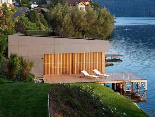 Skandinavisches haus am see  Moderner Luxus im Bad | Fassaden, Architektur und Bootshaus