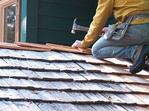 Roof Repair How To Fix Leaks And Broken Shingles Roof Repair Diy Roofing Roofing Diy