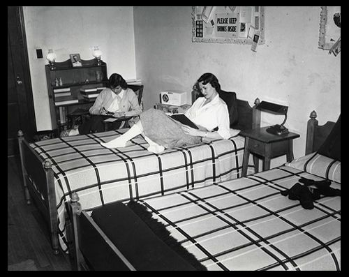 Pin By Melissa Kavanaugh On Black White Boarding School Dorm School Dorm Vintage School