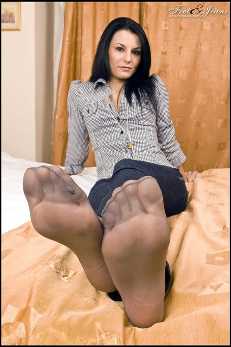 Does Sexy high arched feet suggest you