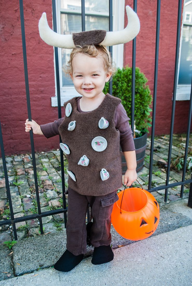 easy diy halloween costume for toddlers: bull in a china shop