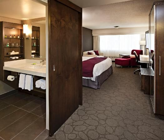 Delta Hotel Bathroom Gorgeous Love The Modern Sliding