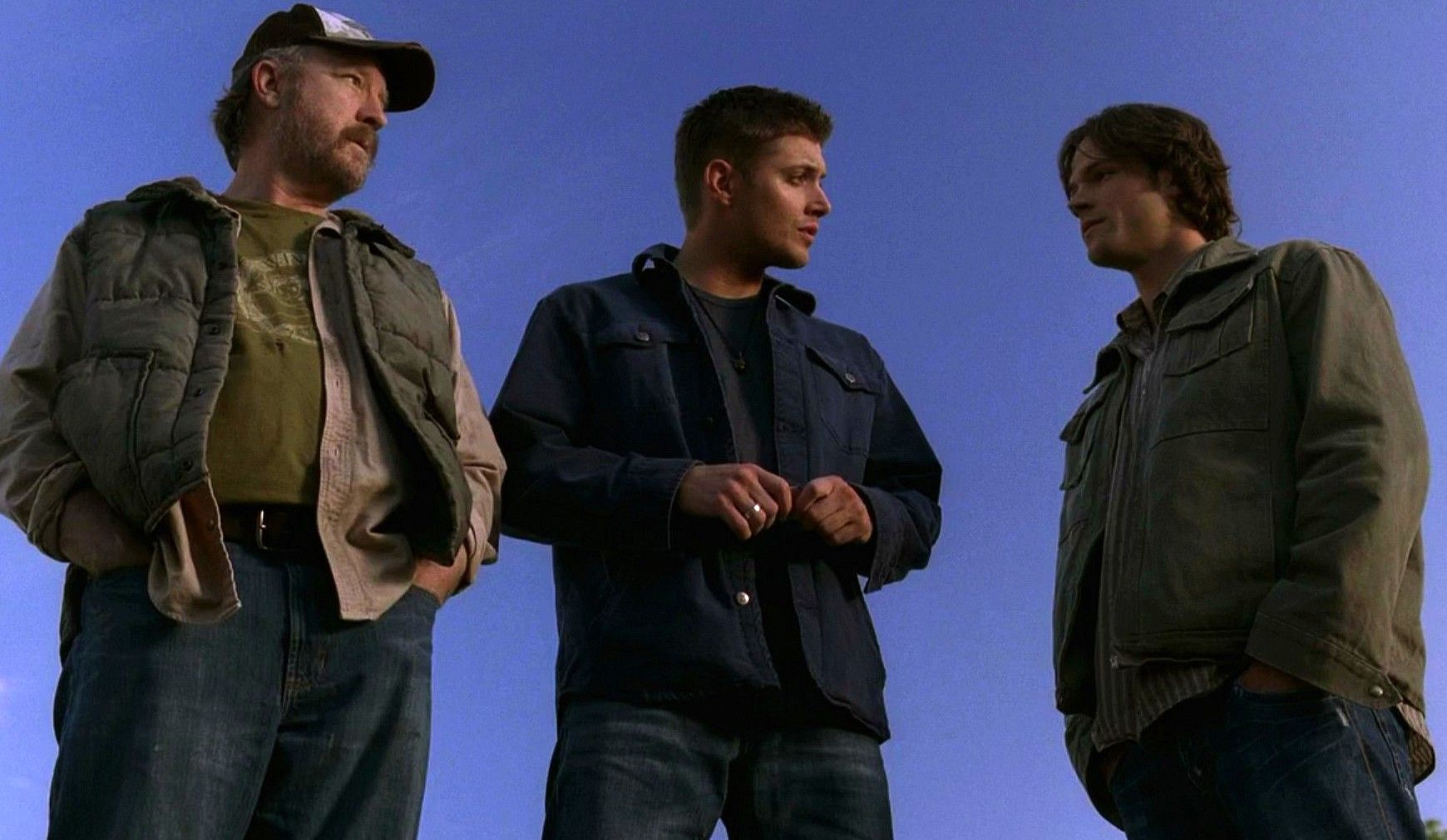Bobby, Dean and Sam - 3x01 The Magnificent Seven (click for larger pic) | The  magnificent seven, Supernatural, Supernatural season 3