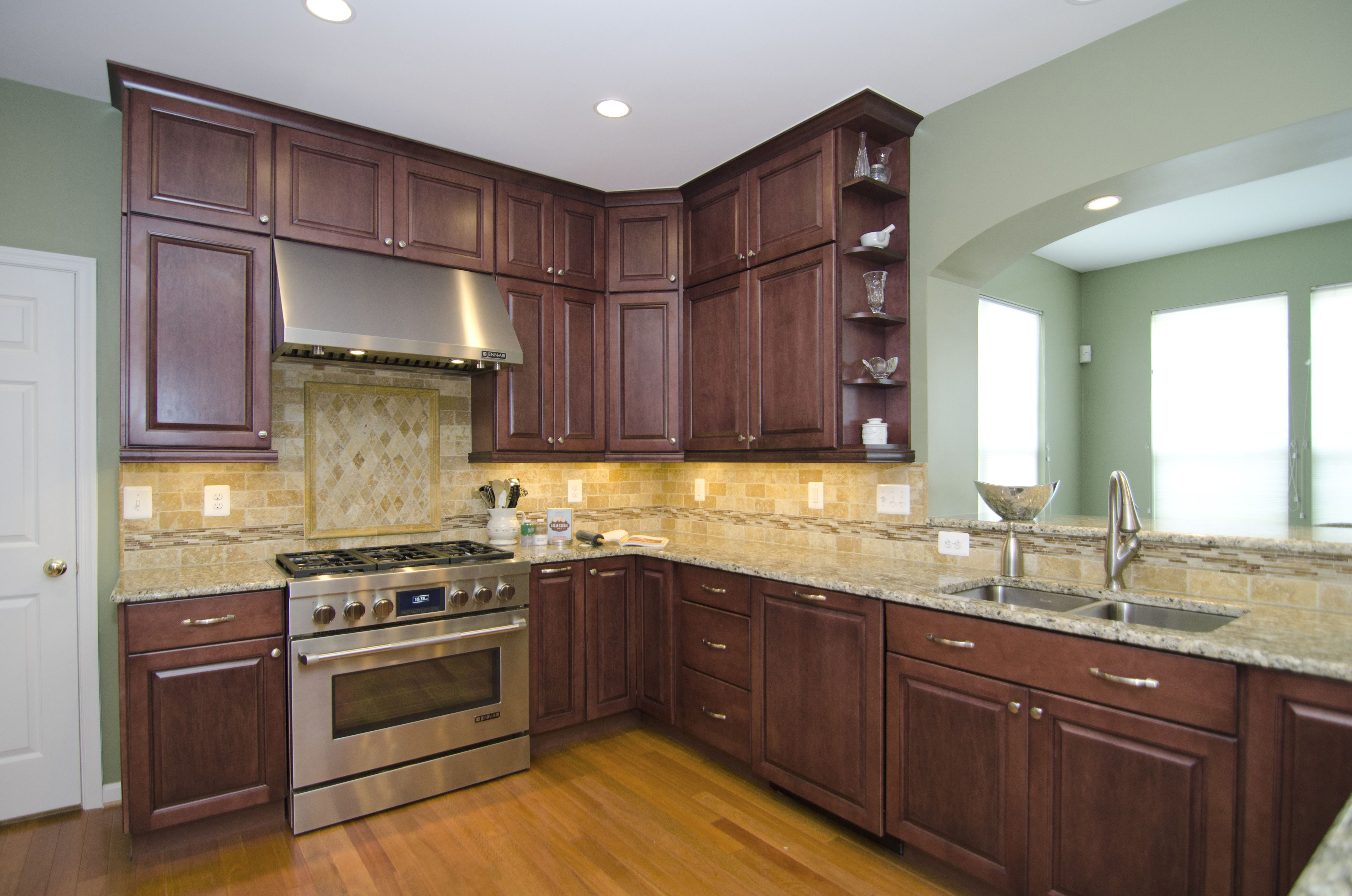 Cherry Cabinets In Kitchen This Fabulous Kitchen In Laytonsville Md Features Diamond
