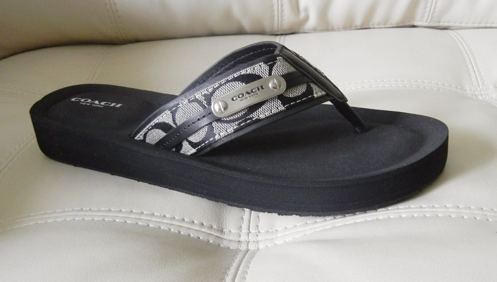 5221c0422c4 New Coach Jodee Signature C Flip Flop Sandals Black White Size 8.5M A4983   Coach  FlipFlops