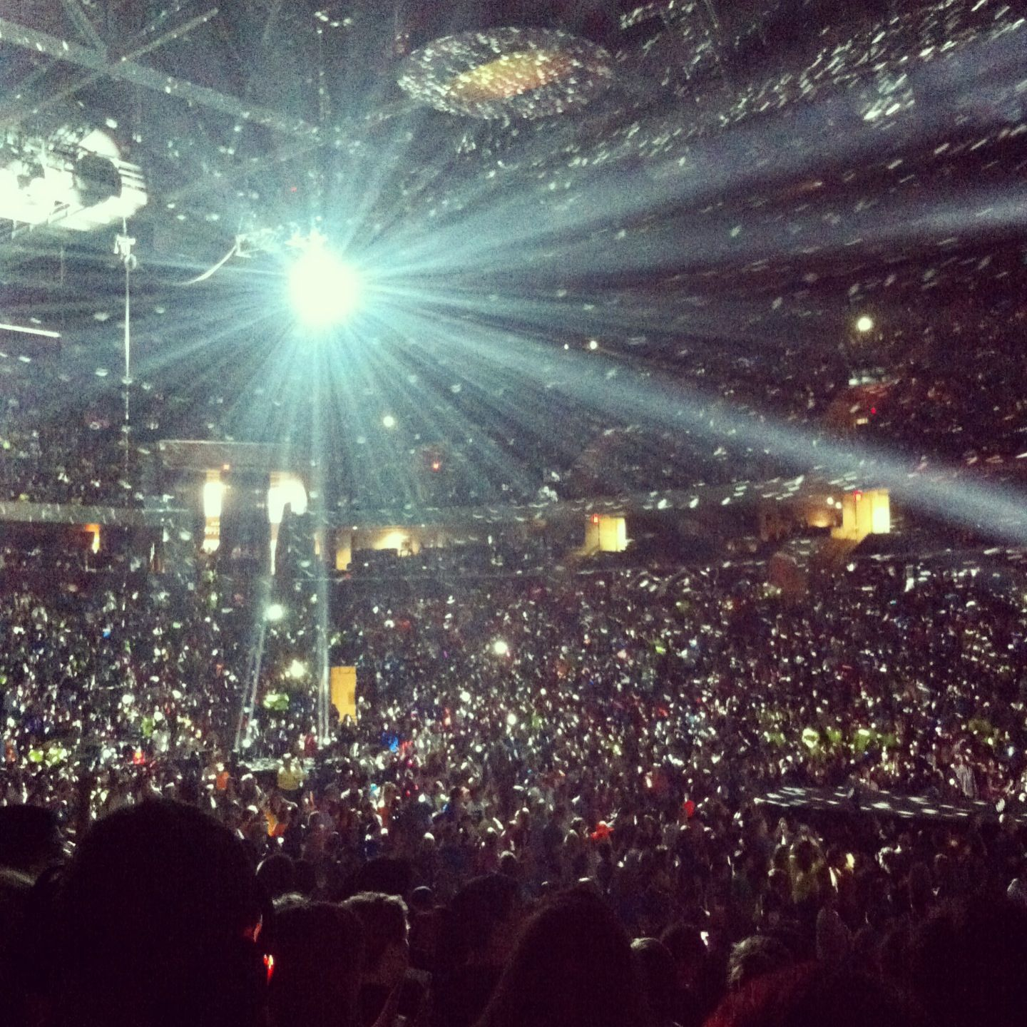 Disco Ball Winterjam2k13 I Was There We Had Front Floor Seats Disco Ball Floor Seating Disco