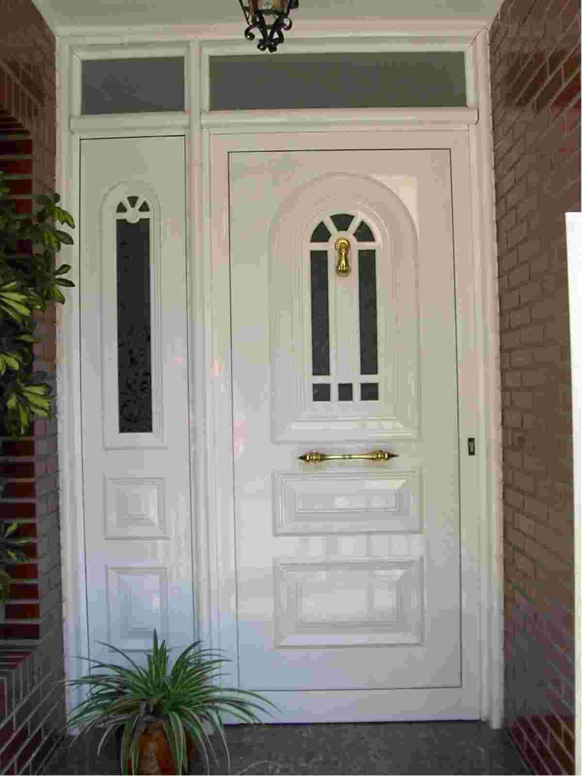Puertas de madera con vidrio buscar con google puertas for Puertas imitacion madera exterior