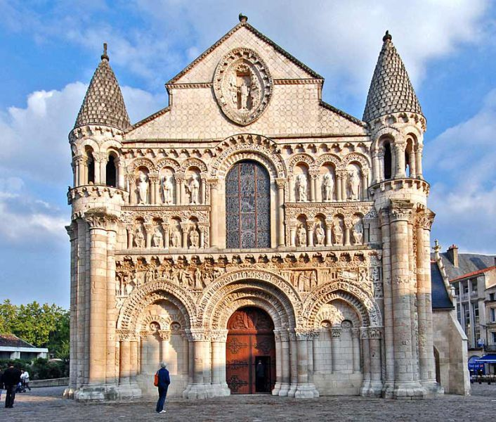 a good example of romanesque architecture romanesque