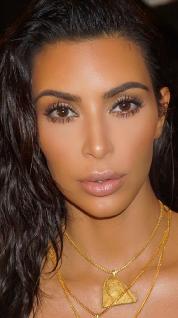 pictures Kim Kardashian's Beauty Routine: Four Eyeliners, Ombre Brows And Sleeping In Make-Up