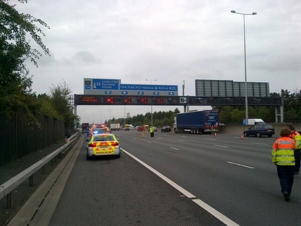 #M25 Clockwise J12 - http://Roadca.ms/486 - One lane now reopened, @SurreyRoadCops working hard to open more, expect delays in both directions due to #rubberneckers