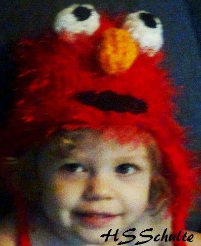 The Knifty Knitter: Elmo Earflap Hat - Loom Knit