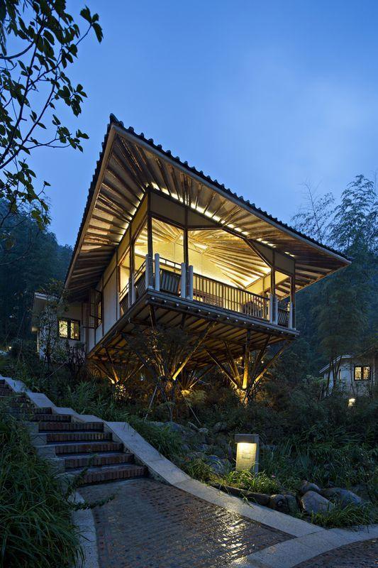 rue escalier accès - Bamboo-Villa par CC-Design - Guangdong, Chine - Maison En Bois Sur Pilotis