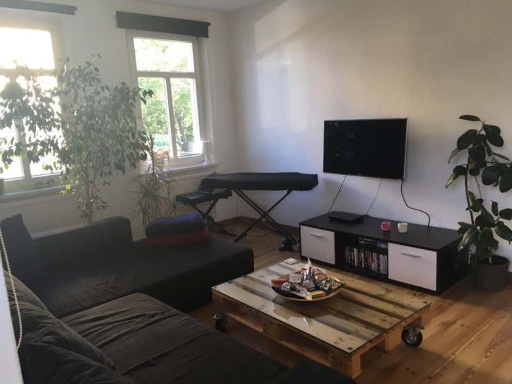 Sehr schönes 15 qm Zimmer in charmanter Altbau-WG - WG-Zimmer