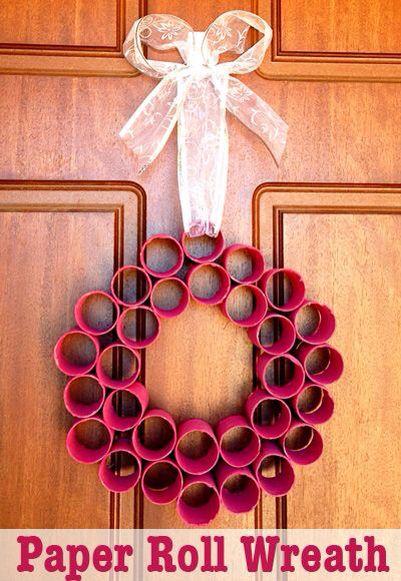 Toilet roll wreath