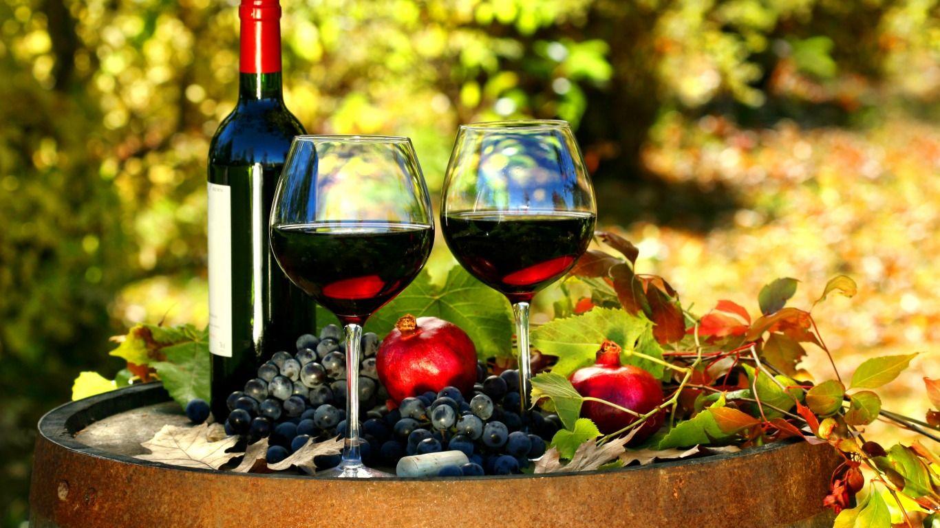 Обои красное, бокалы, виноград, бутылка, вино, доска. Еда foto 11