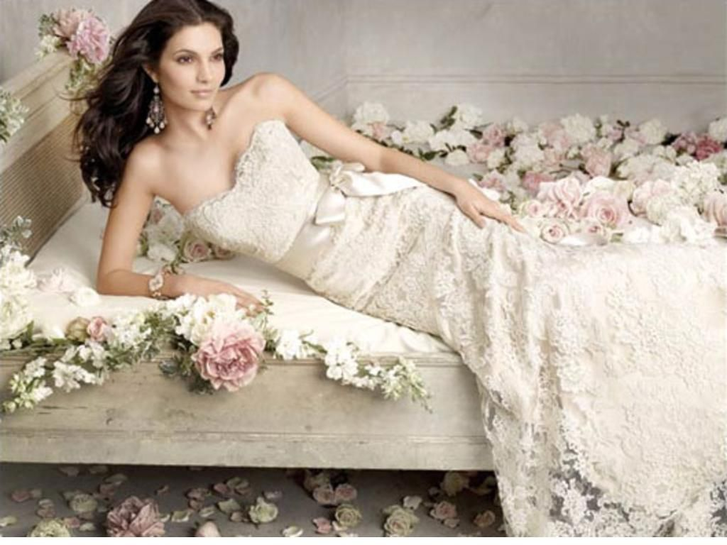 Pre owned wedding dresses  preownedweddingdresses new and used and awesome Love lace