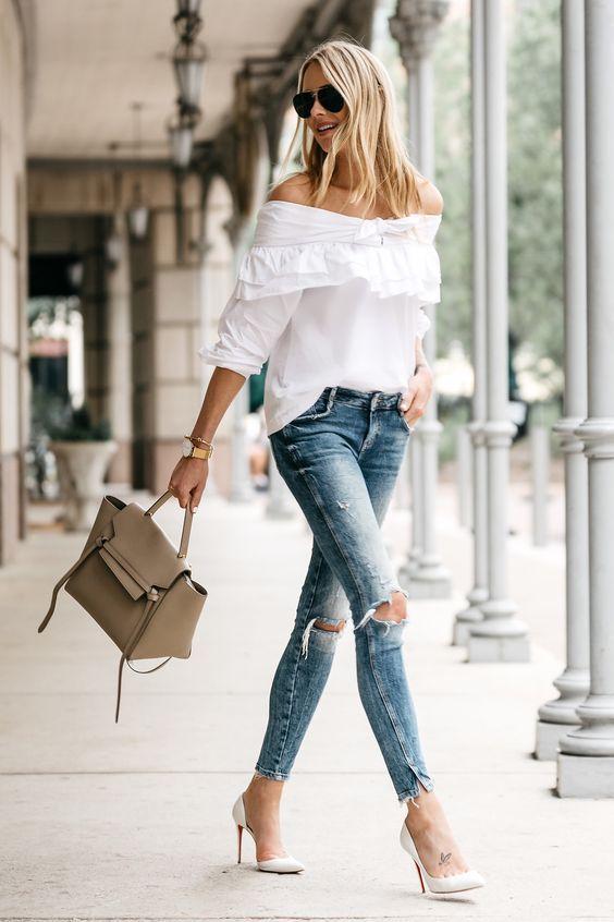 10 Outfits Modernos Con Los Que Si Puedes Usar Tacones Blancos Pantalones De Moda Jeans Y Tacones Outfits