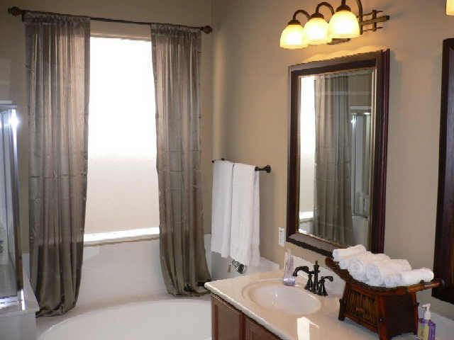 Using paint colors for bathrooms to enhance the value of your