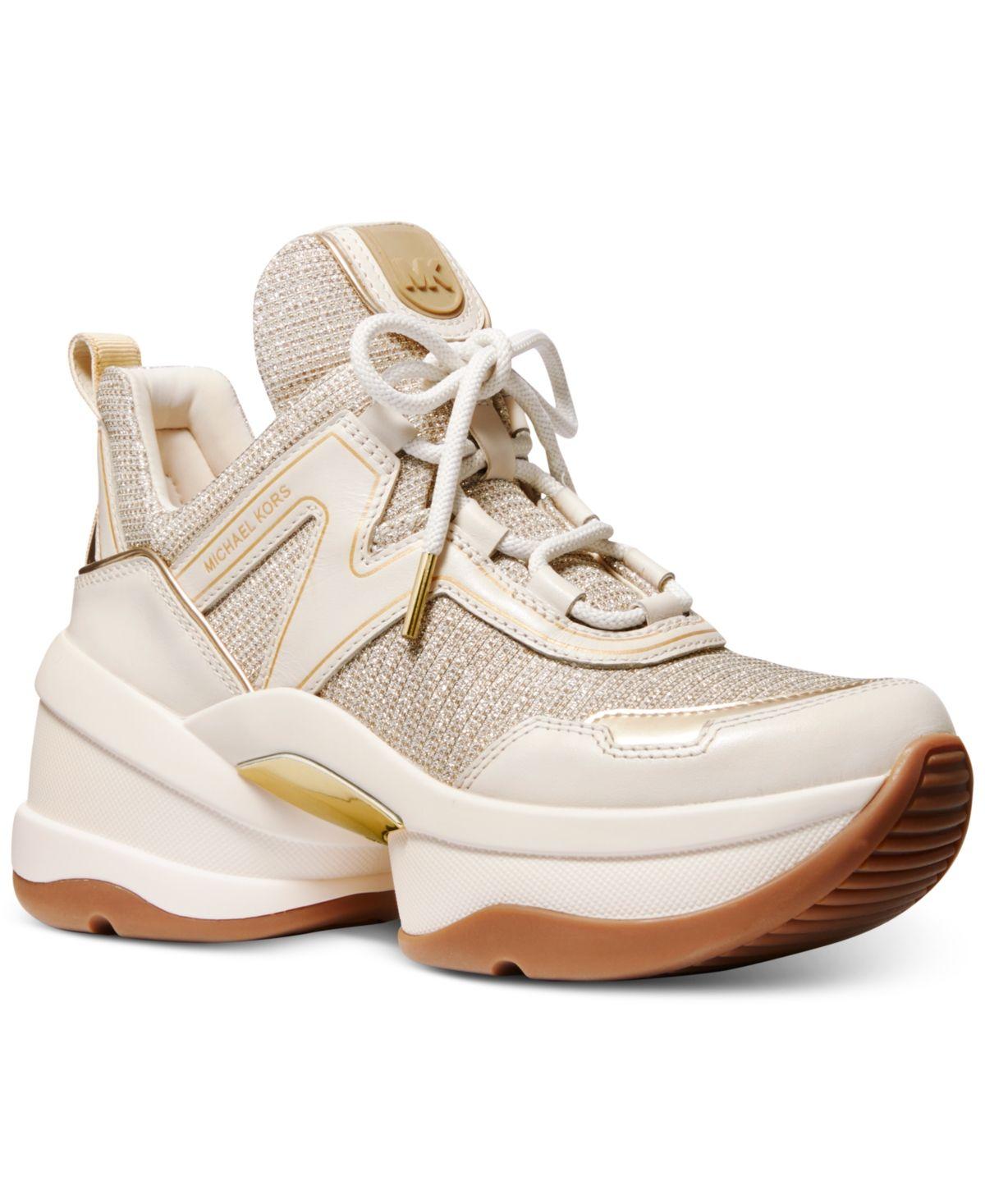 Dad sneakers, Sneakers