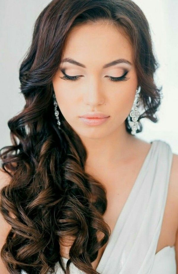 5 Tips For Choosing Your Wedding Hair And Makeup Wedpics Blog Wedding Hairstyles For Long Hair Curly Wedding Hair Simple Bridal Hairstyle