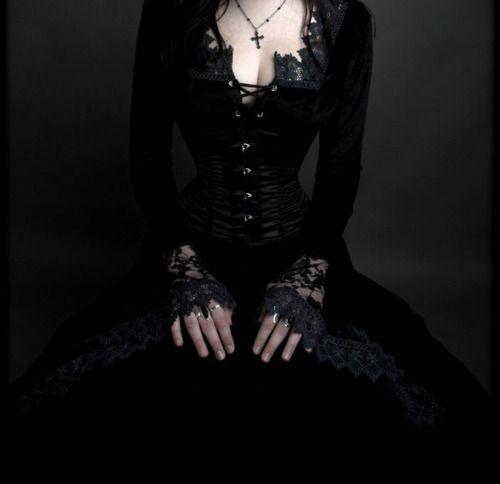 Gothic  Femininity